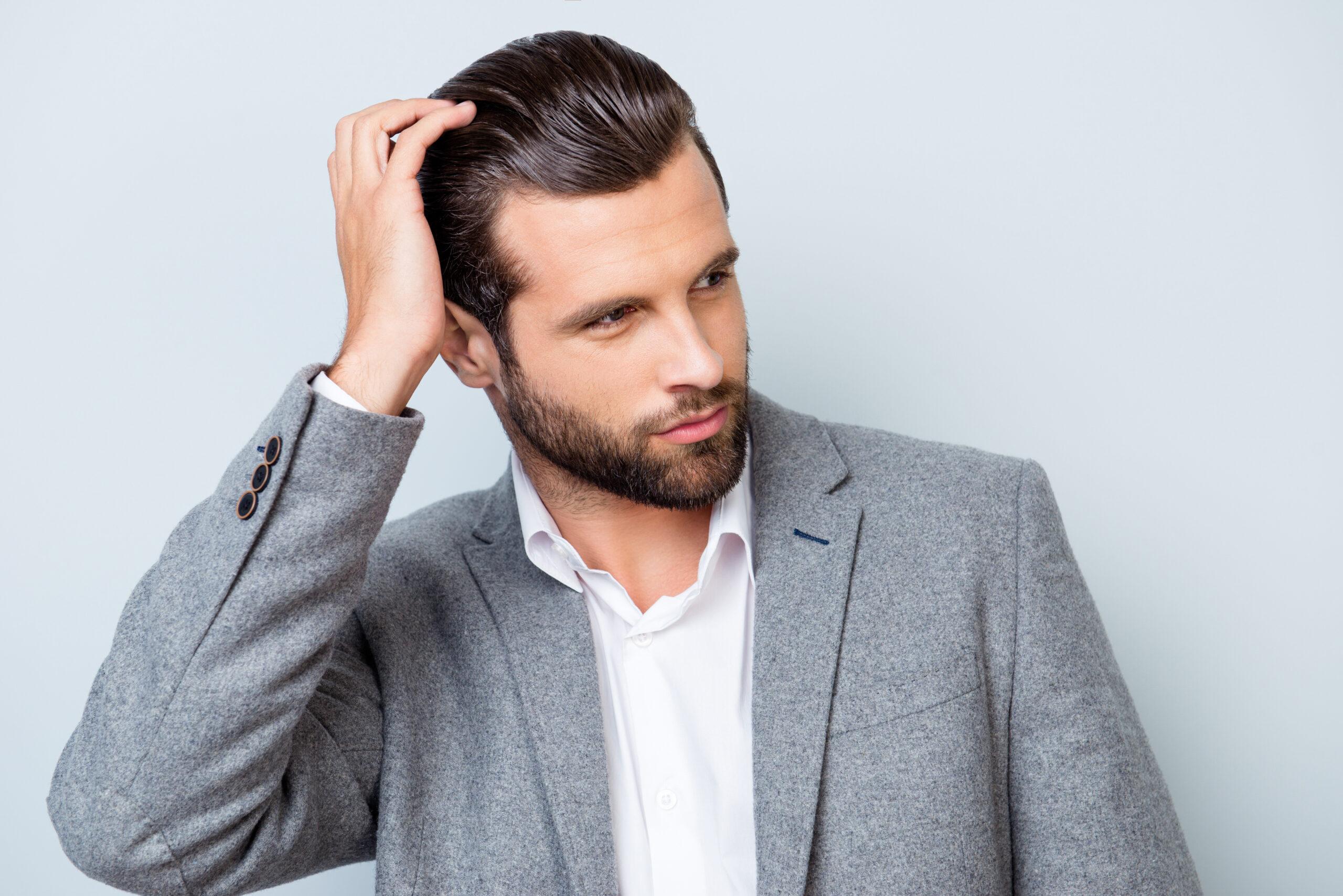 Cheveux fins et clairsemés : comment en prendre soin (conseils et traitements)