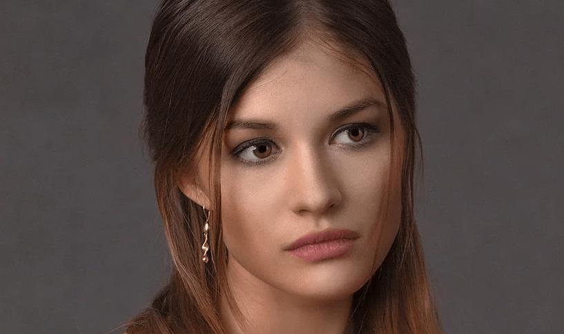 Come contrastare la caduta dei capelli femminile: una guida completa